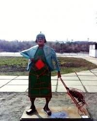 Бабка з кравчучкою на Русановці