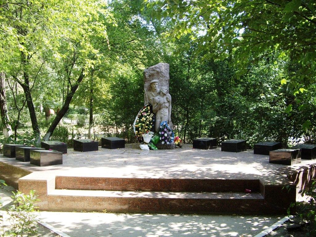 устранения кратко о памятниках и фото г джанкоя дом обшит вагонкой